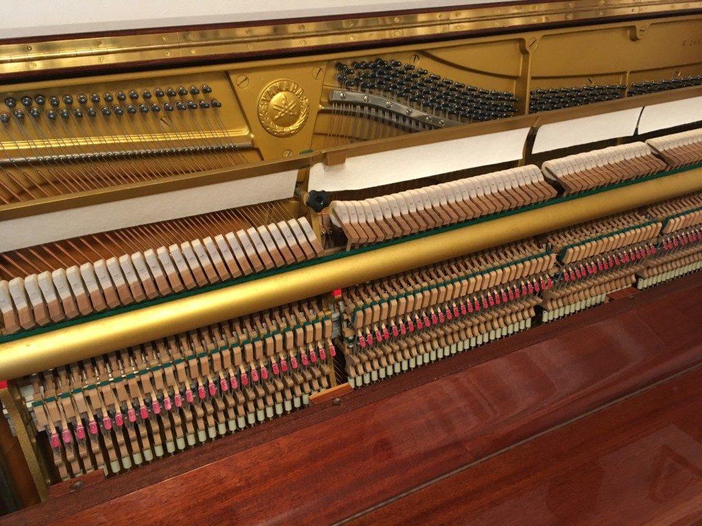 ピアノの中