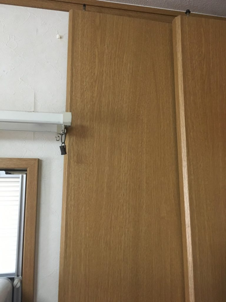 クローゼットの扉収納