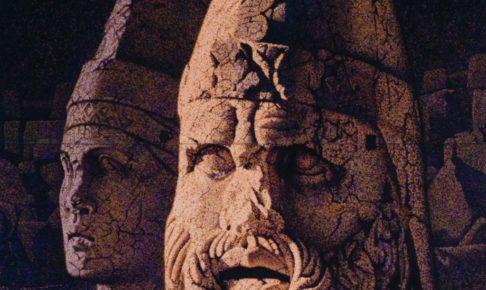 38-ネムルート山の神像(トルコ)